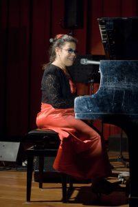 Silvia Zaru al pianoforte